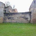 Senlis 11 04 12 Enceinte gallo-romaine vue du Jardin du Roy