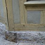 Bas de maison en pans de bois : Chevilles de fixation des tenons