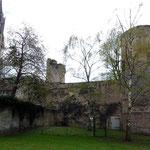 Senlis 11 04 12 Flèche de la cathédrale vue du Jardin du Roy