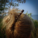 Pic en bois orné de métal en incrustation/ wood hair stick with metal inlay.