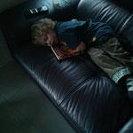 Vor lauter erschöpfung eingeschlafen