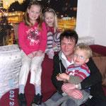 Herr Schönlau bei einem Familienbesuch