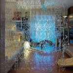 Meteore Poesia Crystal Crystallo Kristall Glas vorhänge Murano Glass Curtains Shop Deco Vorhang Bühnen elemente Cristal Modular visual merchandising Nederland Dansk Belgien Belgique Liechtenstein België France Denmark Rideaux de verre Glas gordijnen Glas