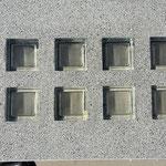 Bild: Glasdesign Betonglas Lichtschachtabdeckung Lichtschacht-Abdeckungen Kellerschacht-Abdeckung Glasstein Glasstahlbeton glasbausteine-center glasbausteine-center.de Lichtschachtabdeckungen Lüftungsgitter Lichtschacht-Abdeckung Betongläser betong glas