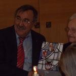 Bürgermeister Duisburg Manfred Osenger (SPD) gratuliert mit Elfriede