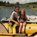 Rebeca y Cristina (Mediano 2002)