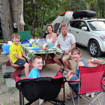 Einladungzum Abendessen auf den Campingplatz in Castlegar.