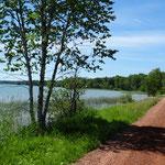 Leider führen die Straßen selten so dicht am See vorbei.