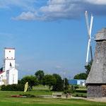 Gleich zwei Wahrzeichen: Der Getreidesilo für die Prairie und die Mühle für die holländischen Siedler.