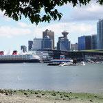 Hafen, Flughafen und Downtown.