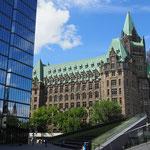 Modern und alt treffen sich. Bank of Canada.