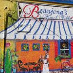 Die Hauswand eines kleinen Cafes im French Quarter.