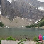 Auf dem Weg zum Gipfel. Vorbei am Lake Agnes.