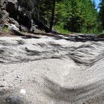 Sand, Sand, und nochmal Sand. Bis zu 30 cm tief. Da ging nichts mehr. Selbst das Schieben bergauf war schweißtreibend.