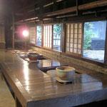濱田庄司の工房(よく見ると猫がいます)