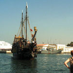 Piratenschiff im Hafen
