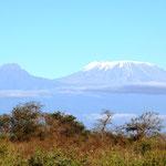 Kibo mit viel Schnee und Mawenzi