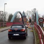 Krummesser Brücke - halbseitige Sperrung wegen Baumängel 2013