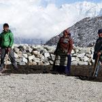 Motiv 15 - Sherpas bei der Feldarbeit