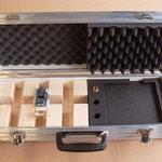 Kofferetui mit Holzlagerung