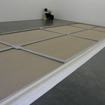 Installation of an aluminium stretcher, 275 x 950cm
