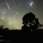 Una brillante meteora vicino alla grande nube di Magellano dall'Australia