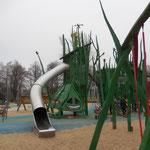Magdeburg, Rothehornpark, Spielplatz, Baujahr  2011