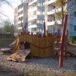 Leipzig, Klingenthaler Straße 22-36, Spielplatz der LWB Wohnanlage