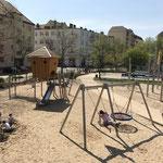 Berlin, Lewaldplatz, Spielplatz