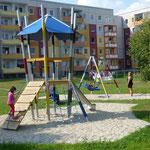 Schipkau, Rosa-Luxemburg-Straße 1-13, Spielplatz, Baujahr 2014