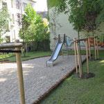 Dresden, Erna Berger Straße, Spielplatz der Wohnanlage