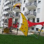 Leipzig, Kurt Eisner Straße Ecke Kochstraße, Spielplatz der Wohnanlage, Baujahr 2018