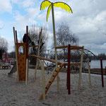 Berlin, Palmkernzeile, Spielplatz ,Baujahr 2016