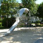 Elsterwerda August-Bebel-Straße, Spielplatz, Spielerde, Baujahr 2013