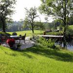 Idylle am hauseigenen Teich
