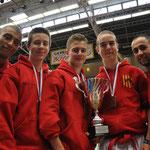 L'équipe et ses entraineurs régionaux, Olivier à gauche et Cédric à droite !