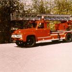 1978 FORD F620 AL-25 AUTOLADDER Van 1955. Kwam in 1955 in dienst bij brandweer Heerlen, ging in 1963 naar brandweer Sliedrecht en werd in 1978 verkocht aan de bedrijfsbrandweer van het Ponypark Slagharen.