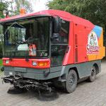 2014 SLAGHAREN THEMEPARK & RESORT Bezemwagen.