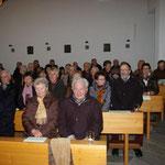 Die St.-Walburga-Kirche in Stauf war bis auf den letzten Platz besetzt, viele mussten sogar stehen