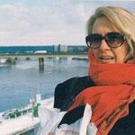 2004, Ursula Krupp-Deman am Rhein in Bonn