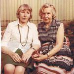 1974, Ursulas Tante, Hilde Stock-Sylvester, und Mutter Gerda in Bonn