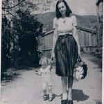 1944 Ursula mit ihrer Mutter Gerda Deman in Rottach-Egern, Tegernsee
