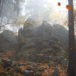 Markante Quarzitfelsformation Hochsteinchen im Winter