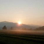 Bachtel mit Sonnenaufgang