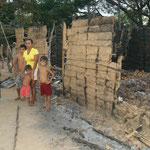 Das Haus der Familie wurde bei einem Brand zerstört