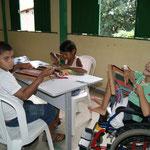 Weben für Kinder mit Behinderung