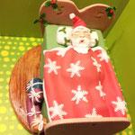 Weihnachtsmann im Bett ab 89 Euro