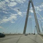 Viele schöne Brücken überqueren wir...