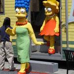 Marge und Lisa beim Shoppen...