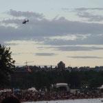 oohhh, ein Helikopter in der Luft!